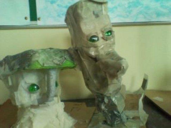 Children and teacher's puppets : 9yr old's papier mache puppet